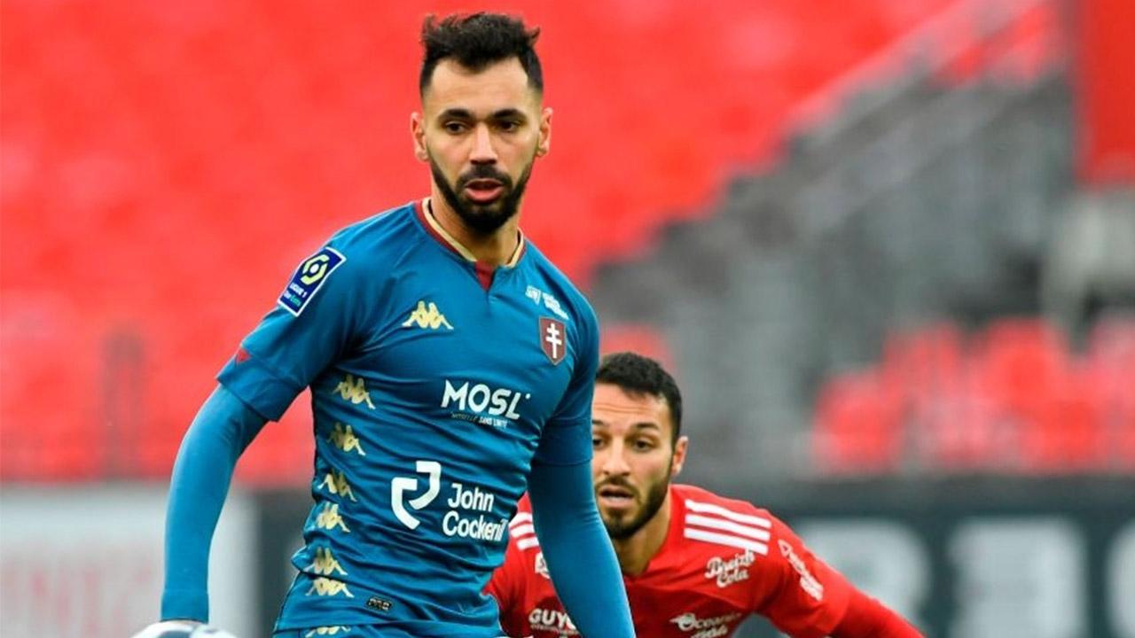 Le beau coup franc de Farid Boulaya contre Brest